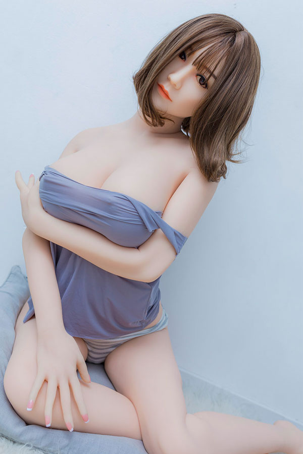frau hat sex mit sexpuppe